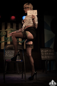 Toronto Burlesque Photographer | Burlesque Photography | Skaai Walker