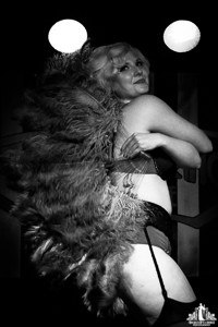 Toronto Burlesque Photographer | Burlesque Photography | Susie Vavoom