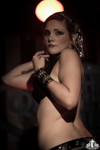 Toronto Burlesque Photographer | Burlesque Photography | Heather LaBonte