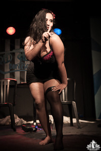 Toronto Burlesque Photographer | Burlesque Photography | Reveal Me
