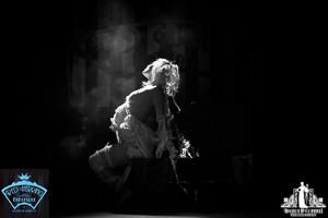 Toronto Burlesque Photographer | Burlesque Photography | Reveal Me