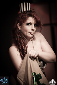 Toronto Burlesque Photographer | Burlesque Photography | Red Herring