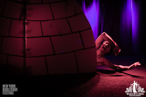 Toronto Burlesque Photographer | Burlesque Photography | New York Burlesque Festival | Wrong Note Rusty