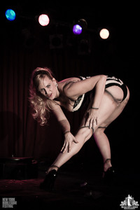 Toronto Burlesque Photographer | Burlesque Photography | New York Burlesque Festival | Audrey Deluxe