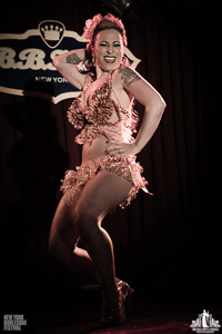 Toronto Burlesque Photographer | Burlesque Photography | New York Burlesque Festival | Angie Pontani