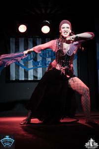 Toronto Burlesque Photographer | Burlesque Photography | Scarlet Black