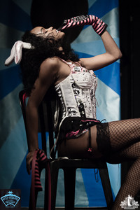Toronto Burlesque Photographer | Burlesque Photography | Tiny B Hiney