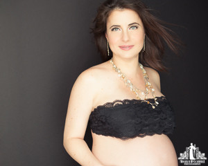 Toronto Portrait Photographer | Contemporary Beauty Photography | Maternity Pregnancy Photoshoot