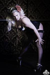 Toronto Burlesque Photographer   Burlesque Photography   DD Starr