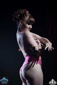 Toronto Burlesque Photographer | Burlesque Photography | Babes in Candyland | Knox Harter