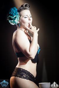 Toronto Burlesque Photographer | Burlesque Photography | Babes in Candyland | Lucky Minx