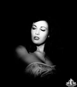 Toronto Burlesque Photographer | Burlesque Photography | Cristal Melbourne | Frankie Valentine