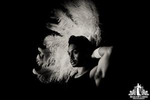 Toronto Burlesque Photographer | Burlesque Photography | Red Door Burlesque | Fez Faanana