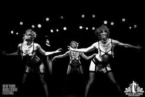 Toronto Burlesque Photographer | Burlesque Photography | New York Burlesque Festival | The Chi-ciones